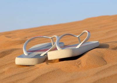 Flip flop range to the beach